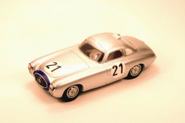 PI-129	MERCEDES 300 SL COUPE' N° 21 WINNER  LE MANS 1952