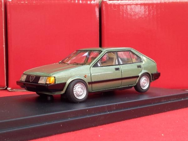 KE-009Alfa Romeo Arna 4 Porte Metallic Green