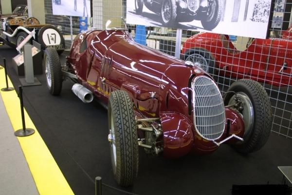 KE-007Alfa Romeo 12C Road 1936