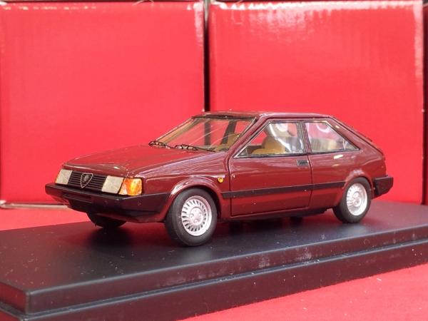 KE-011Alfa Romeo Arna 2 Porte Venezian Red